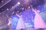 『「太陽は何度でも」公演〜菅原りこ・長谷川玲奈・山口真帆 卒業公演〜』より(C)AKS