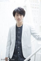 シリーズを通じて声の出演をしている俳優の村井良大