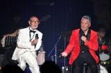 80歳記念ディナーショーで佐川満男(左)とセッションした中村泰士