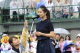地元の熊本で国歌独唱を務めたLeola (C)SoftBank HAWKS