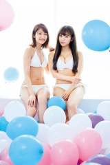 『FLASHスペシャル2019初夏号』に登場したHKT48・山下エミリー(左)と栗原紗英(C)藤城貴則、光文社