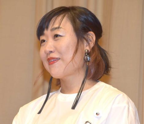 映画『エリカ38』特別試写会舞台あいさつに登壇した南海キャンディーズ・山崎静代