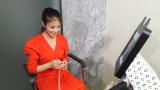 5月25日深夜放送、NHK総合『スマホ見せてください!』NHKで初MCを務める今田美桜(C)NHK