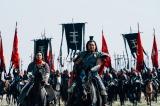 大沢たかお(中央)が王騎役を引き受けなければ撮影延期の可能性もあったという (C)原泰久/集英社(C)2019映画「キングダム」製作委員会