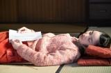 連続テレビ小説『なつぞら』第43回(5月20日放送)より。合格通知を受け取り、安堵で眠ってしまった夕見子(福地桃子)(C)NHK