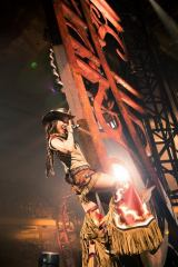 『松任谷由実 TIME MACHINE TOUR Traveling through 45years』東京・日本武道館公演より Photo by 田中聖太郎