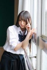 三品瑠香 1st写真集 『EPHEMERAL』(徳間書店) 撮影:田口まき