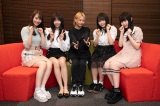 SKE48の25thシングルセンターの古畑奈和(中央)と初選抜組