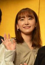 『第37回向田邦子賞贈賞式』に登場した新垣結衣 (C)ORICON NewS inc.