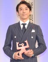 『第55回ギャラクシー賞授賞式』に出席した高橋一生 (C)ORICON NewS inc.