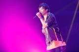 ポルノグラフィティ(岡野昭仁)=『Amuse Fes in MAKUHARI 2019 〜恋とか愛とか〜』より Photo by 山川哲矢