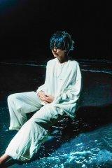 米津玄師「海の幽霊」最新アーティスト写真 Photo by 山田智和