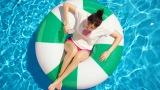 日本の夏の楽しいシーンが様々登場