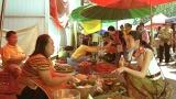 Koki,タイのマーケットでCM撮影