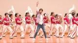 佐藤勝利、女子高生66人とコラボ