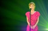 総合テレビ『SONGS』放送500回記念のゲストは高橋真梨子。6月15日放送。NHKドラマ『御宿かわせみ』の主題歌「祭りばやし が終わるまで」を披露(C)NHK