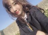 大島優子が着ていた制服を着用し感激する柏木由紀(写真はインスタグラムより、事務所許諾済み)