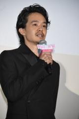 映画『町田くんの世界』公開記念舞台あいさつに出席した池松壮亮