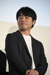 映画『町田くんの世界』公開記念舞台あいさつに出席した石井裕也監督