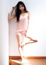『週刊ヤングマガジン』第28号の表紙を飾ったモーニング娘'19の牧野真莉愛(C)LUCKMAN /ヤングマガジン