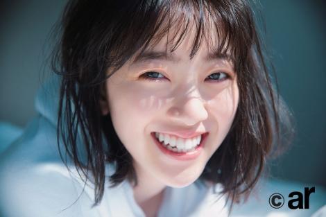 サムネイル 『ar』7月号の表紙を飾った乃木坂46・堀未央奈