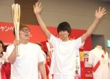 『コカ・コーラ社 東京2020オリンピック 聖火ランナー公募キャンペーン』発表会に出席した(左から)HIKAKIN、はじめしゃちょー (C)ORICON NewS inc.