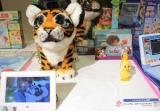 『東京おもちゃショー2019』授賞式でイノベイティブ・トイ部門に受賞した『ファーリアル・ロアーリングタイラー』(ハズプロジャパン) (C)ORICON NewS inc.