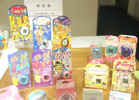 『東京おもちゃショー2019』授賞式の特別賞に授賞した『たまごっちシリーズ』(バンダイ) (C)ORICON NewS inc.