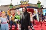 ディズニー/ピクサー映画『トイ・ストーリー4』(7月12日公開)ワールドプレミアに参加したキアヌ・リーブス(C)2019 Disney/Pixar. All Rights Reserved.