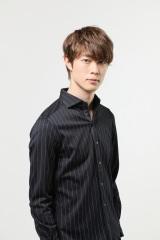 7月スタートの連続ドラマ『偽装不倫』に出演する宮沢氷魚 (C)日本テレビ