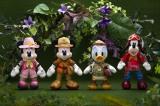 東京ディズニーシーで7月23日から始まる新しいショー「ソング・オブ・ミラージュ」に合わせて7月17日から販売されるぬいぐるみバッジ(各2200円)(C)Disney