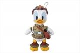 東京ディズニーシーで7月23日から始まる新しいショー「ソング・オブ・ミラージュ」に合わせて7月17日から販売されるぬいぐるみバッジ・ドナルドダック(各2200円)(C)Disney