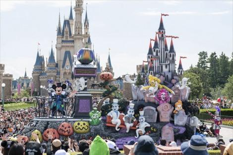 """東京ディズニーランド「スプーキー""""Boo!""""パレード」(9月10日〜10月31日)(C)Disney"""