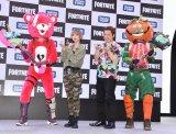 タカラトミー『フォートナイト』フィギュア発売決定記念ステージに参加した(左から)フォートナイトキャラクター、最上もが、ノブオ、フォートナイトキャラクター (C)ORICON NewS inc.