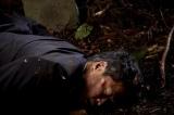 『緊急取調室』は6月20日が最終回。山中で倒れたままの梶山管理官(田中哲司)は無事なのか?(C)テレビ朝日