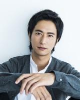 『一年で、一番君に遠い日』で小説家デビューする秋山真太郎