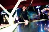 モナコの移動遊園地を楽しむ欅坂46・守屋茜(画像は写真集公式ツイッターより)