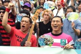 『ラグビーワールドカップ 2019』開催100日前イベントに出席した(左から)はなわ、春日俊彰