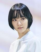 第3話には生駒里奈も出演。びしょ濡れに(C)「びしょ濡れ探偵 水野羽衣」製 作委員会