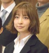 篠田麻里子、バツイチ刑事を熱演
