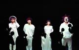 SEKAI NO OWARIのFukase(左から2人目)がステージから落下も無事を報告
