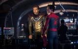 映画『スパイダーマン:ファー・フロム・ホーム』(6月28日、日本で世界最速公開)謎多きニューヒーロー、ミステリオが登場する本編映像解禁