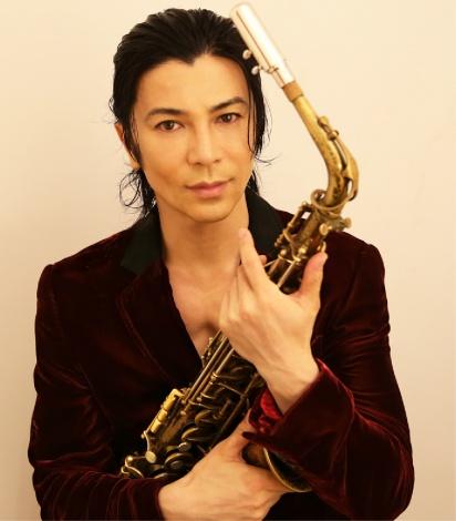ソロ名義では23年ぶりのシングルを配信リリースした武田真治