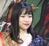 都内で行われたデビューコンベンションに登場した小野小町・山川紗希 (C)ORICON NewS inc.