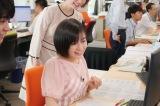 気象情報サイト「tenki.jp」の配信作業を体験する森七菜=映画『天気の子』(7月19日公開)の声優、醍醐虎汰朗&森七菜が日本気象協会を訪問