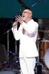 札幌市民ホールでのファイナル公演でステージ復帰した松山千春