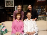 高島家の家族写真(C)東宝芸能