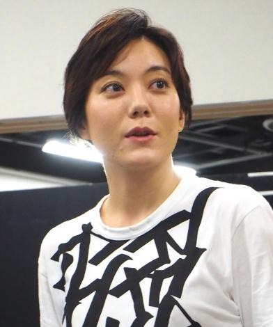 舞台『フローズン・ビーチ』の記者会見に出席した鈴木杏 (C)ORICON NewS inc.