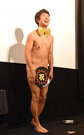 妊娠を祝福したアキラ100%=映画『こはく』の完成披露上映会 (C)ORICON NewS inc.