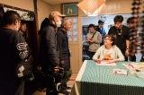 篠原涼子が笑顔で言葉を交わすメイキング写真が公開(C)2019 「今日も嫌がらせ弁当」製作委員会